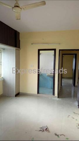 3bhk semi furnished flat available on lease in bangalore